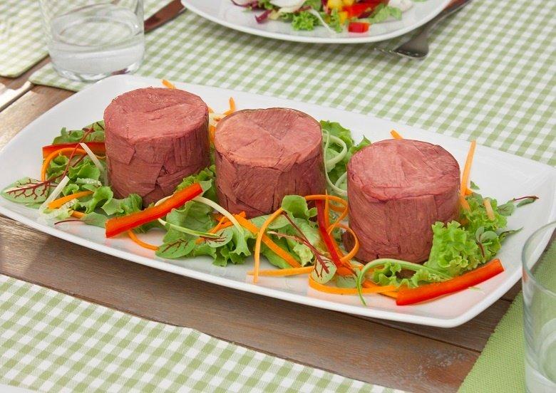 Tutte-le-proprietà-e-caratteristiche-della-carne-in-scatole-e-della-carne-in-gelatina