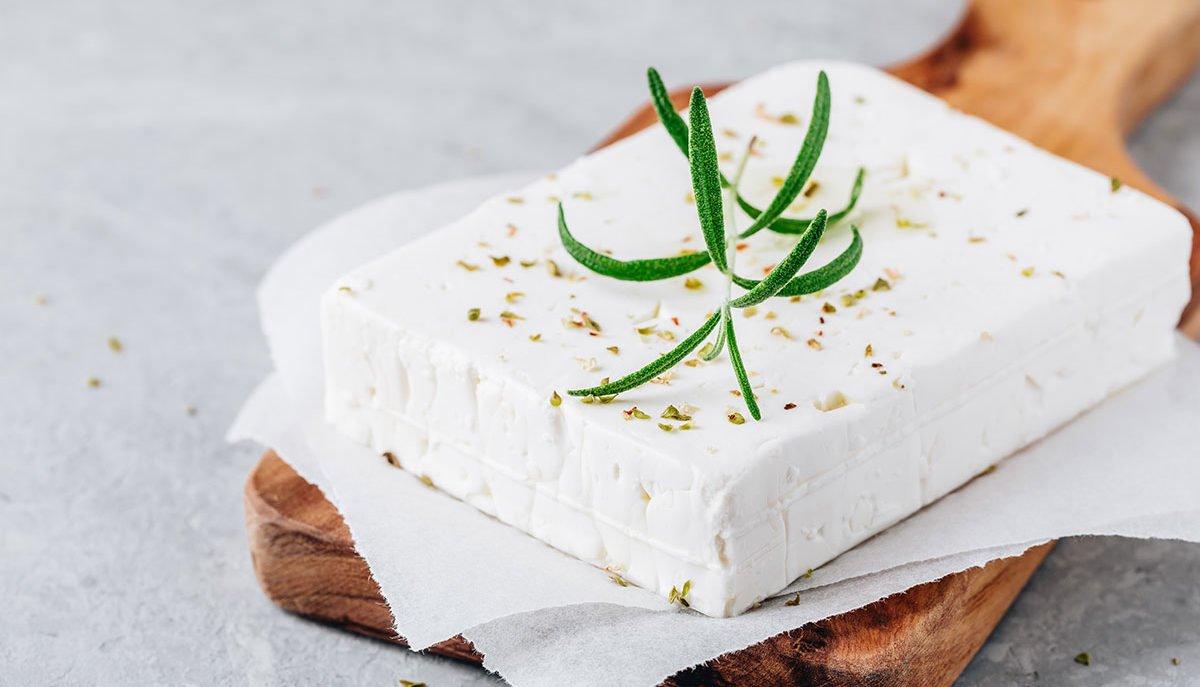 feta-greca-calorie-1200x687